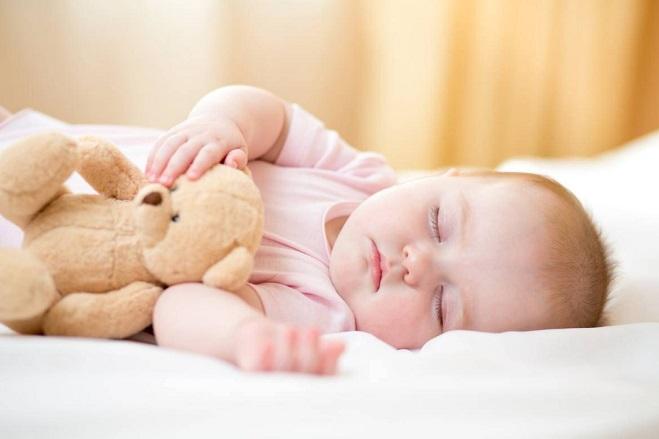 راهکارهای موثر برای تنظیم خواب نوزاد