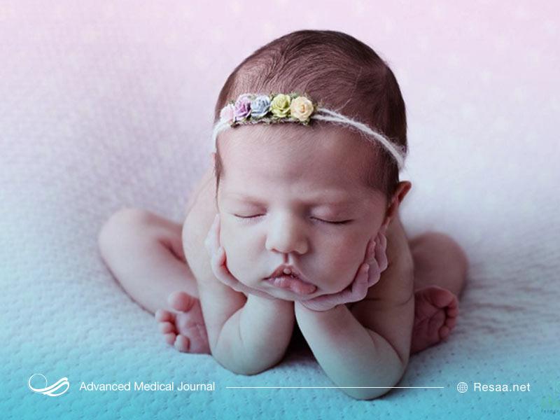حمام کردن نوزاد به راحت خوابیدن او کمک شایانی میکند.