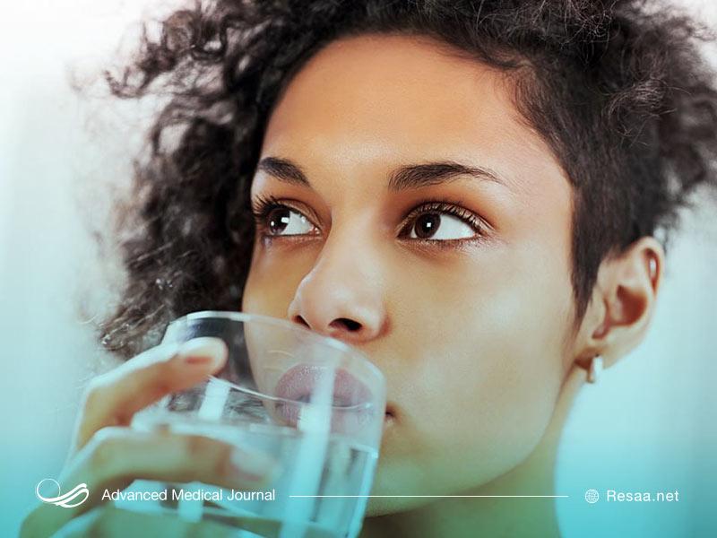 نوشیدن آب سالم راهی برای درمان اسهال خونی