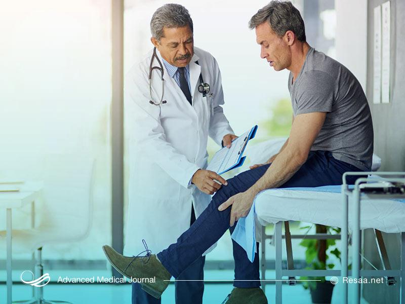 بررسی زانو توسط پزشک