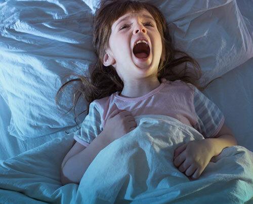 خواب پرشی یا پاراسومنیا، علائم و درمان